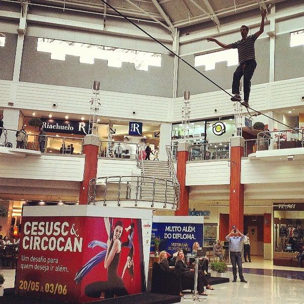Снимок сделан в Floripa Shopping пользователем Pedro C. 5/24/2013