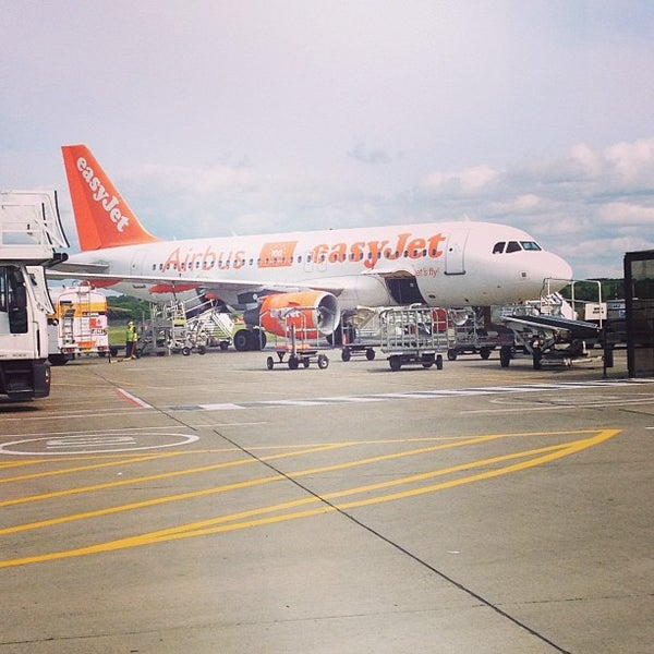 Photo prise au Edinburgh Airport (EDI) par Heather C. le6/26/2013