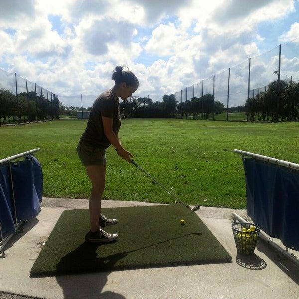 Das Foto wurde bei Palmetto Golf Course von Masson L. am 4/14/2013 aufgenommen