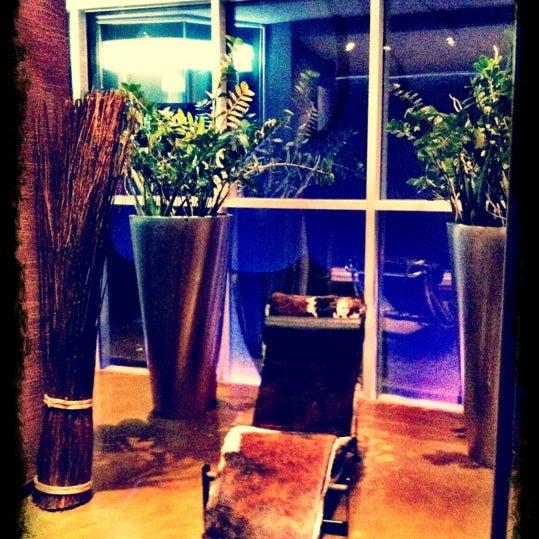 Foto diambil di Les Fleurs Boutique Hotel oleh Анна С. pada 11/3/2012