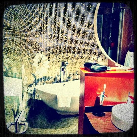 Foto diambil di Les Fleurs Boutique Hotel oleh Анна С. pada 11/5/2012