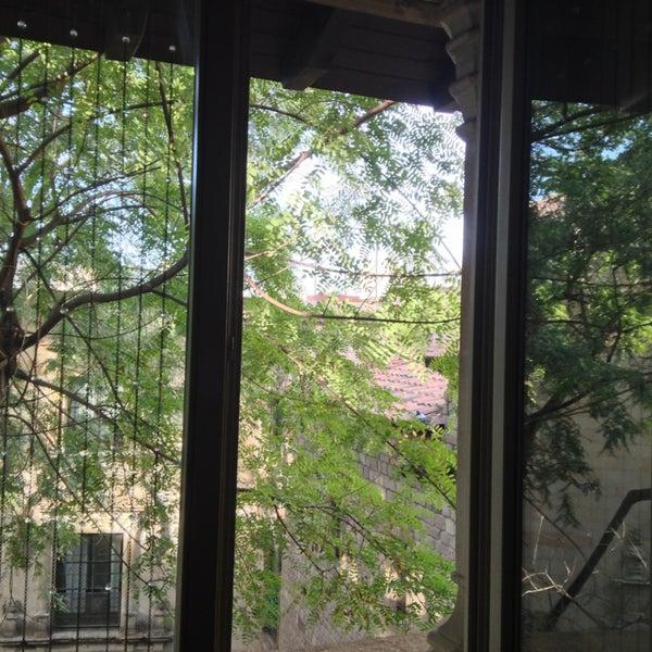 Foto diambil di Hotel Neri oleh Irene L. pada 1/8/2013