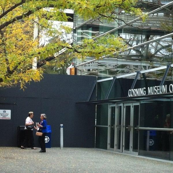 Photo prise au Corning Museum of Glass par Fatma D. le9/16/2013