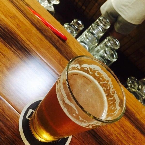 Foto tomada en Beach City Brewery por P M. el 7/20/2015