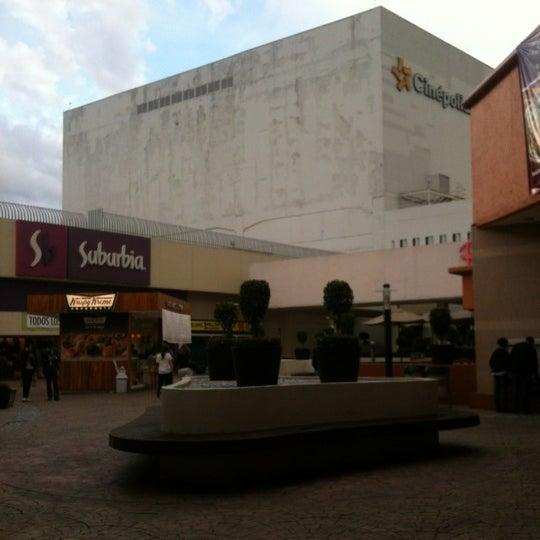 Снимок сделан в Plaza Universidad пользователем Aldonauta H. 10/8/2012