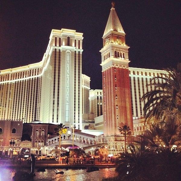 Foto tirada no(a) Venetian Resort & Casino por Dr. C. em 5/8/2013