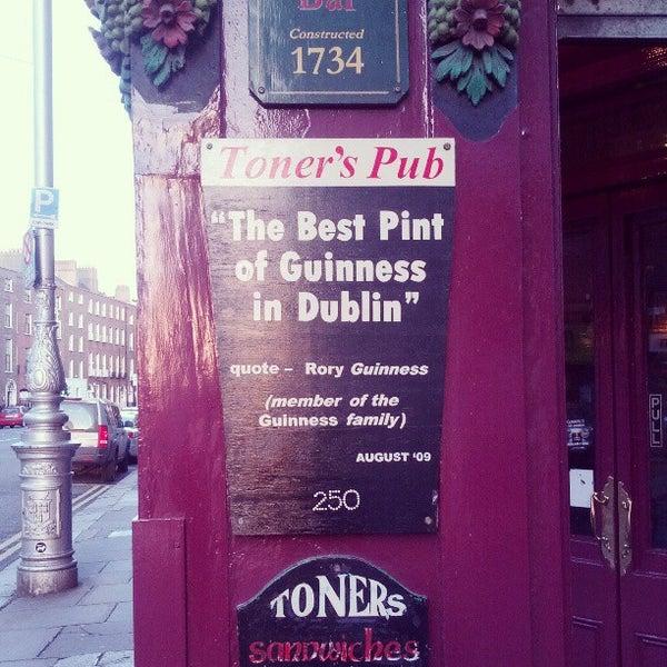 รูปภาพถ่ายที่ Toners Pub โดย Nicolas T. เมื่อ 4/29/2013