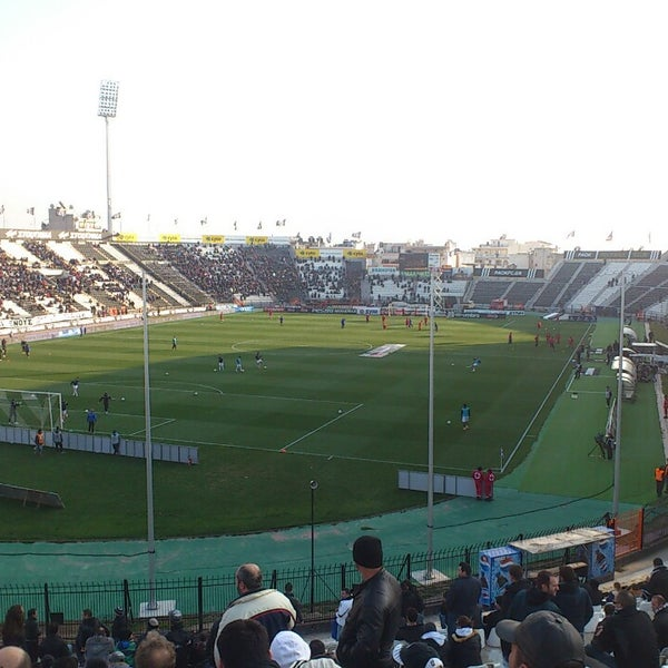 รูปภาพถ่ายที่ Toumba Stadium โดย Stefanos M. เมื่อ 3/3/2013
