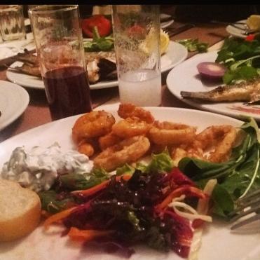 รูปภาพถ่ายที่ King's Garden Restaurant โดย Özden S. เมื่อ 4/1/2018