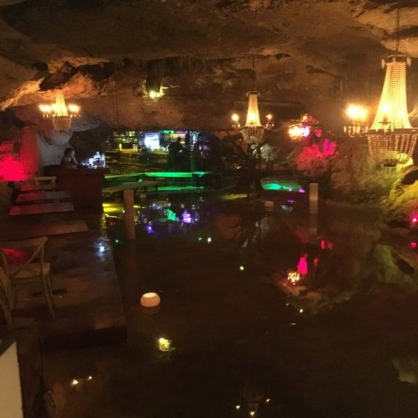10/4/2017에 Mikala A.님이 Alux Restaurant에서 찍은 사진