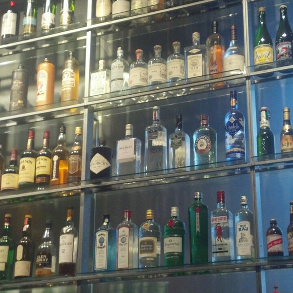 Foto diambil di Amsterdam Bar & Hall oleh Charlie F. pada 4/18/2013