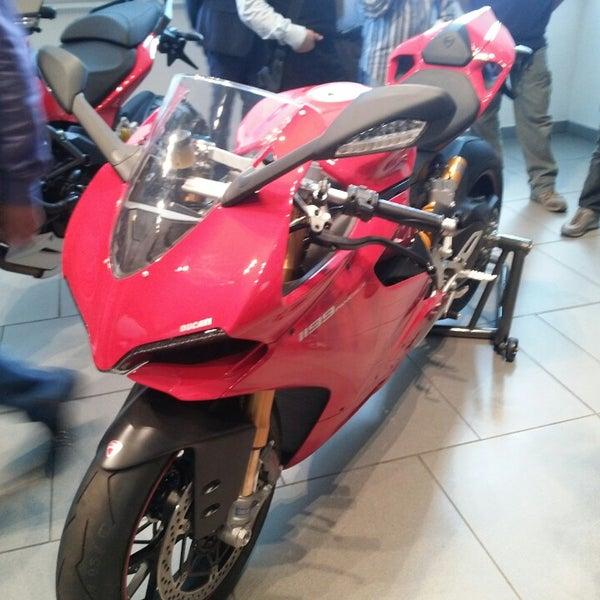 10/24/2013 tarihinde Sergey U.ziyaretçi tarafından Ducati Motor Factory & Museum'de çekilen fotoğraf