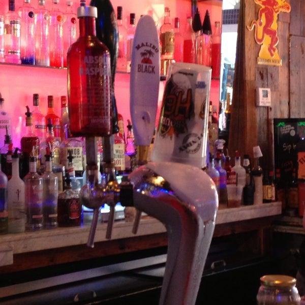 Foto tomada en Bourbon Heat por Elisa B. el 5/25/2013