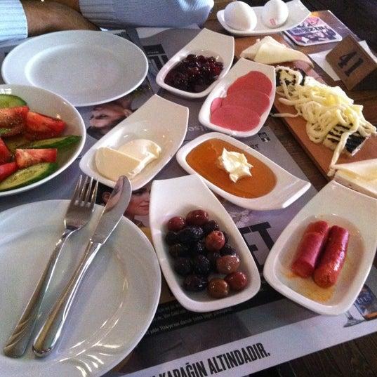 Das Foto wurde bei Hangover von Özbey K. am 11/29/2012 aufgenommen