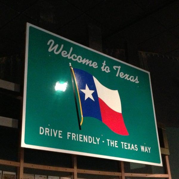 10/24/2013 tarihinde Catziyaretçi tarafından Bullock Texas State History Museum'de çekilen fotoğraf