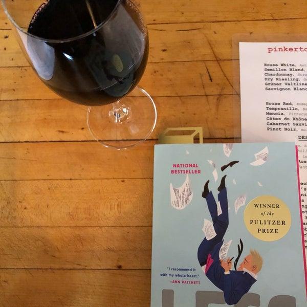 รูปภาพถ่ายที่ Pinkerton Wine Bar โดย Kenny T. เมื่อ 9/23/2018