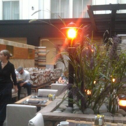 รูปภาพถ่ายที่ Urban Farmer โดย Robert L. เมื่อ 12/7/2012