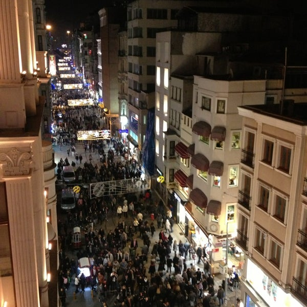 Foto scattata a Demirören İstiklal da Nisan Y. il 3/30/2013