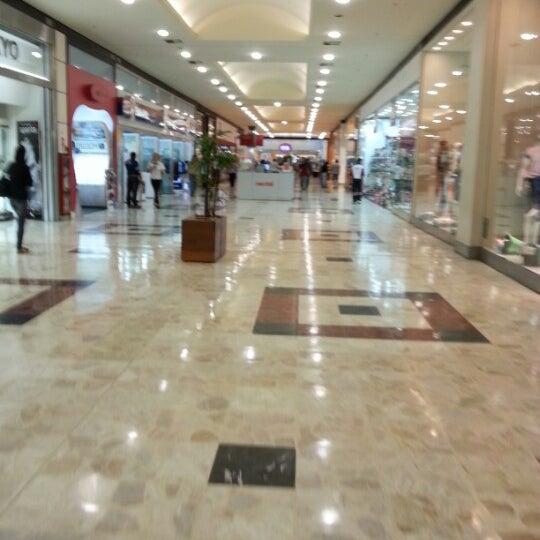 Das Foto wurde bei Grand Plaza Shopping von Caio M. am 10/11/2012 aufgenommen