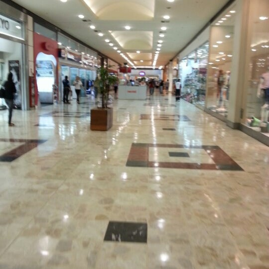 Foto diambil di Grand Plaza Shopping oleh Caio M. pada 10/11/2012