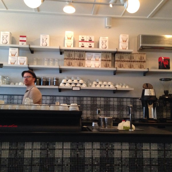 Foto scattata a Gorilla Coffee da Andrew M. il 1/5/2014