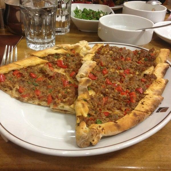 Снимок сделан в Çulcuoğlu Restaurant пользователем Ayse P. 3/20/2013