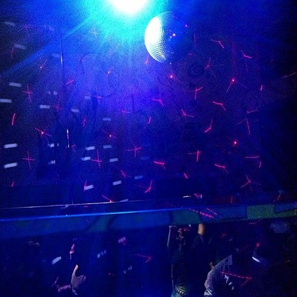 Das Foto wurde bei Buck15 Lounge von Ed A. am 8/25/2013 aufgenommen
