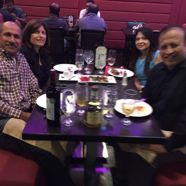 Foto tirada no(a) Spice Rack Indian Fusion Dining por Sandeep M. em 10/3/2017