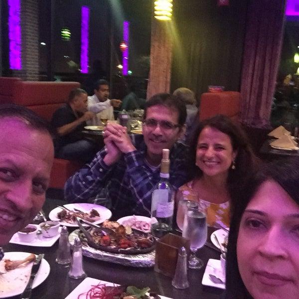 Foto tirada no(a) Spice Rack Indian Fusion Dining por Sandeep M. em 10/13/2017