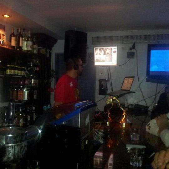 Foto diambil di Le Ghost Pub : Music Bar oleh Jean-david P. pada 1/24/2013