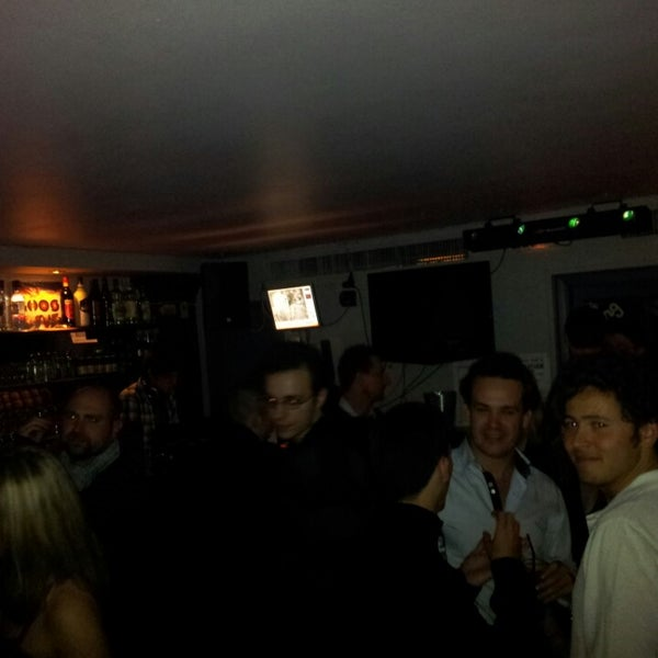 Foto tomada en Le Ghost Pub : Music Bar por Jean-david P. el 4/5/2013