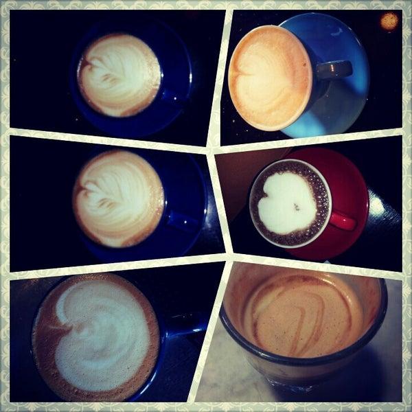 3/17/2013にElle A.がFrogg Coffee Bar and Creperieで撮った写真