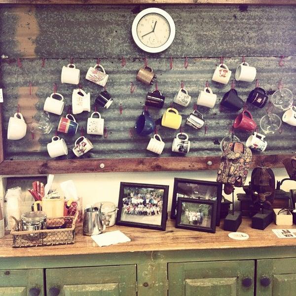 9/27/2012에 Rabah R.님이 Third Coast Coffee Roasting Co.에서 찍은 사진