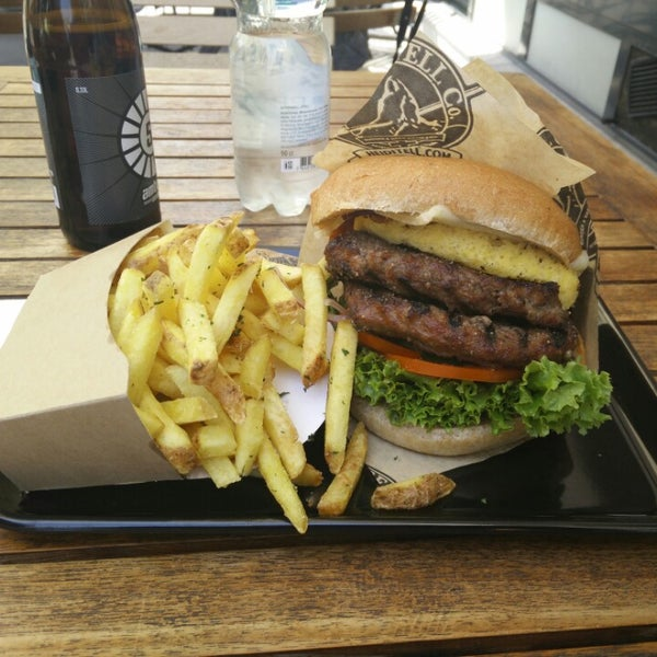 Tellburger Omlette Style: richtig gut wenn man ihn in den Mund bekommt ;-)