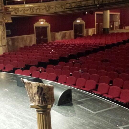 7/29/2013 tarihinde Ra-Jah K.ziyaretçi tarafından Apollo Theater'de çekilen fotoğraf