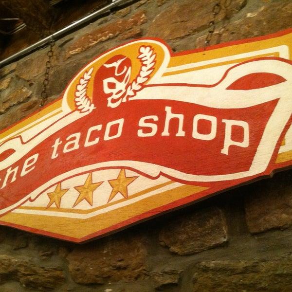 Photo prise au The Taco Shop par Alison B. le1/21/2013