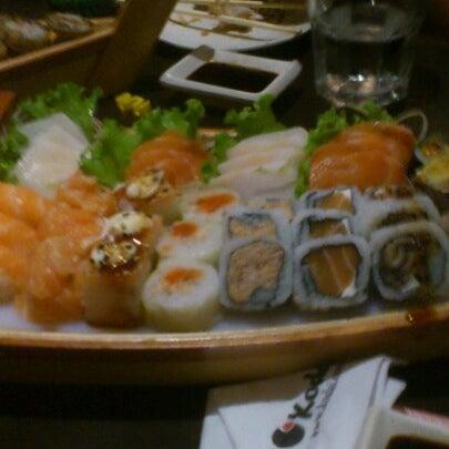 Foto tirada no(a) Kodai Sushi por Angélica F. em 10/14/2012