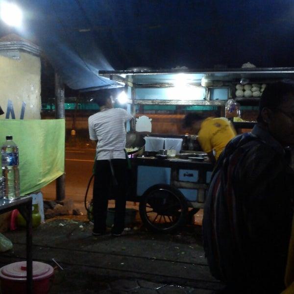 Photo Taken At Nasi Goreng Bahari Bang Ros By Weny W On 6 30