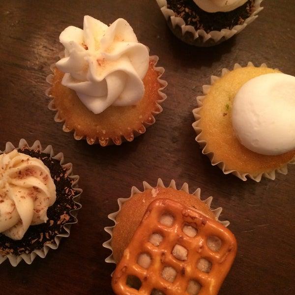 รูปภาพถ่ายที่ Prohibition Bakery โดย Amber เมื่อ 11/21/2015