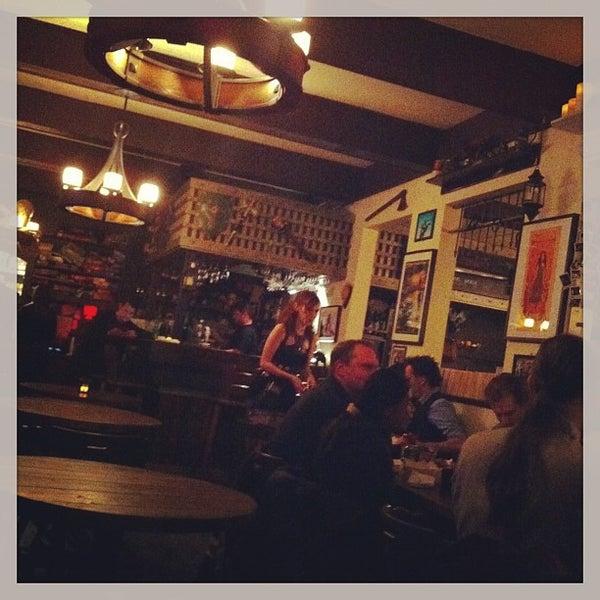 1/1/2013 tarihinde Mike J.ziyaretçi tarafından Storm Crow Tavern'de çekilen fotoğraf