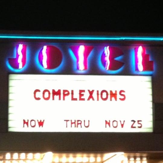 Photo prise au The Joyce Theater par Victoria V. le11/16/2012