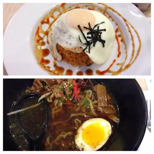 Foto tirada no(a) Chibiscus Asian Cafe & Restaurant por Deepak P. em 12/15/2014