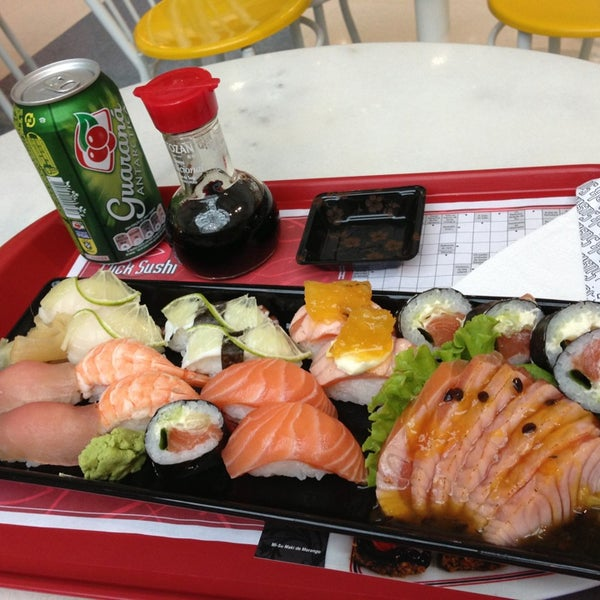 ClickSushi, melhor comida japonesa. Muito bom!! Chope Brahma na caneca de 500 ml. Delicia!!