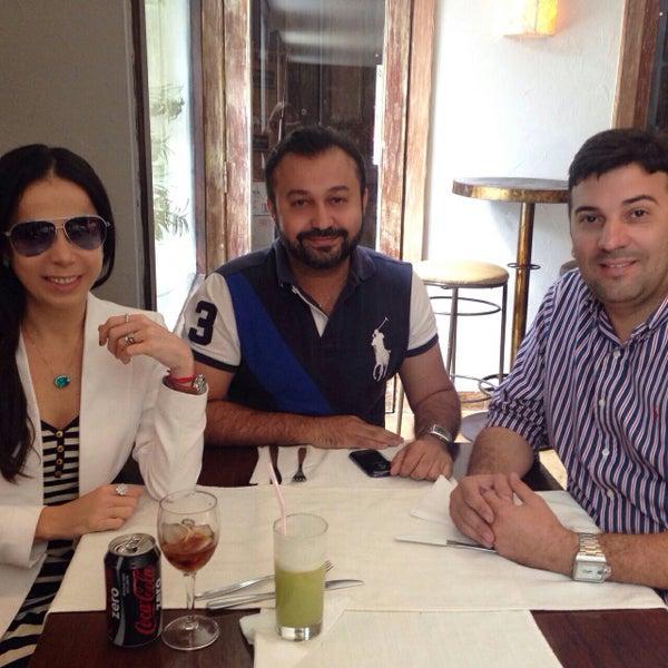 11/3/2014 tarihinde Eduardo F.ziyaretçi tarafından Limone Restaurante e Café'de çekilen fotoğraf