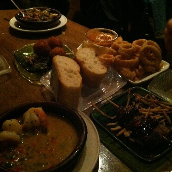 3/8/2013에 Ria S.님이 Las Ramblas Bar de Tapas에서 찍은 사진