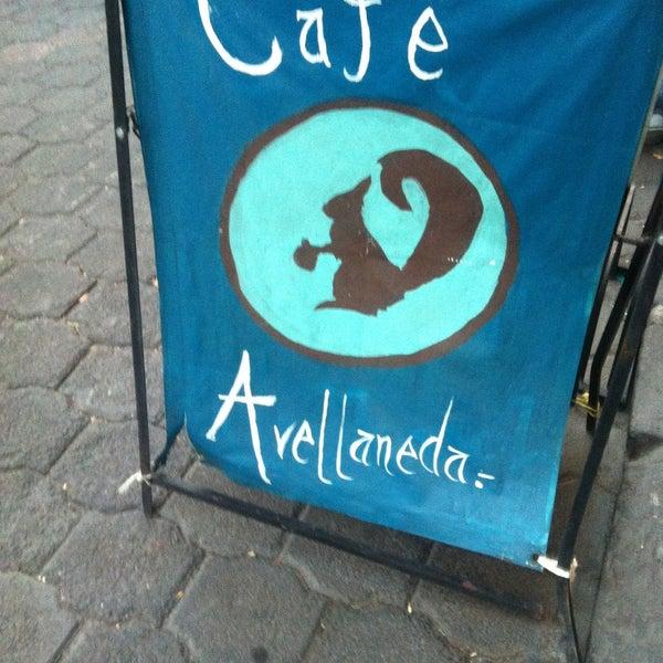 Foto scattata a Café Avellaneda da Ignacio R. il 4/21/2013