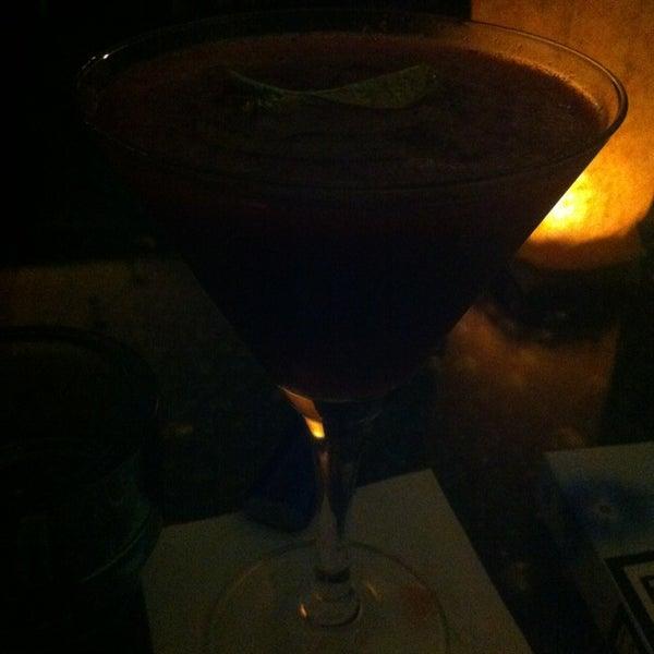 Foto scattata a CINCO Lounge da Rita C. il 12/21/2012