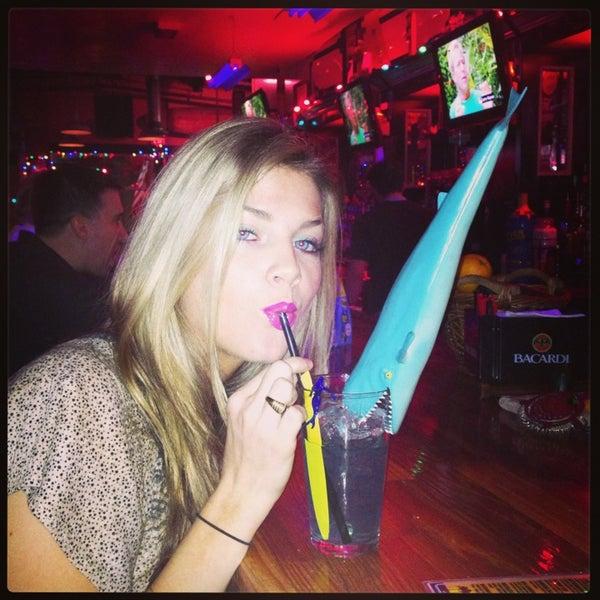 Foto diambil di Lucy's Retired Surfers Bar and Restaurant oleh Hail A. pada 1/29/2013