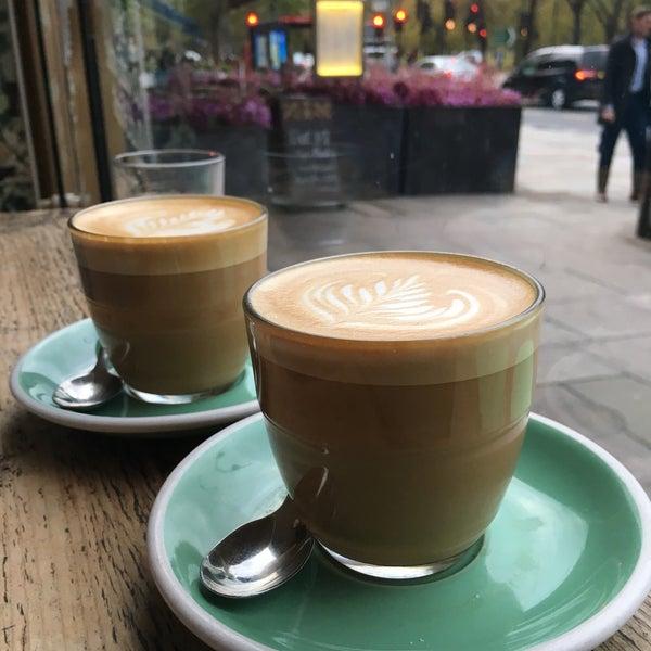Foto diambil di Brickwood Coffee & Bread oleh Dani D. pada 11/4/2017