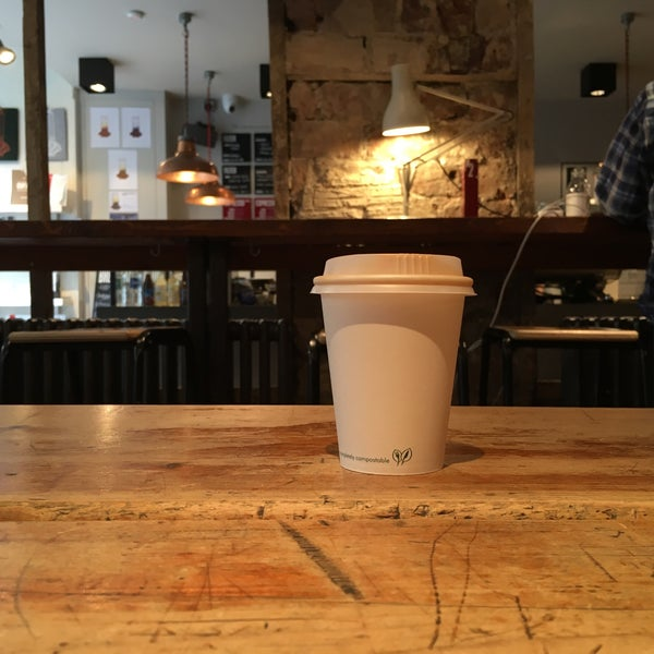 Foto diambil di Brew Lab Coffee oleh Dani D. pada 6/23/2016